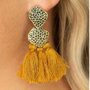 Yellow earring Paparazzi